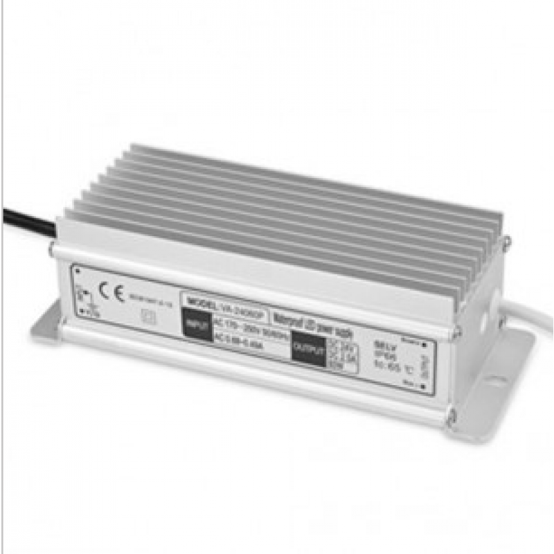 Trasformatore per luci led 12v 120 w per interni for Luci led per interni